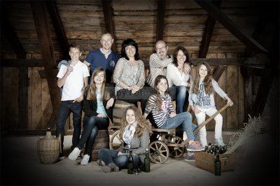 Foto Hüss - Outdoor - Portrait - Aufnahmen - Gruppen - Familie - Scheune
